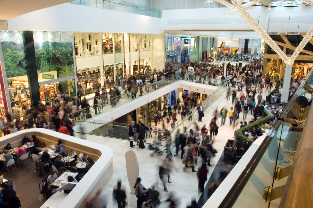 shopping mall crowd black friday new