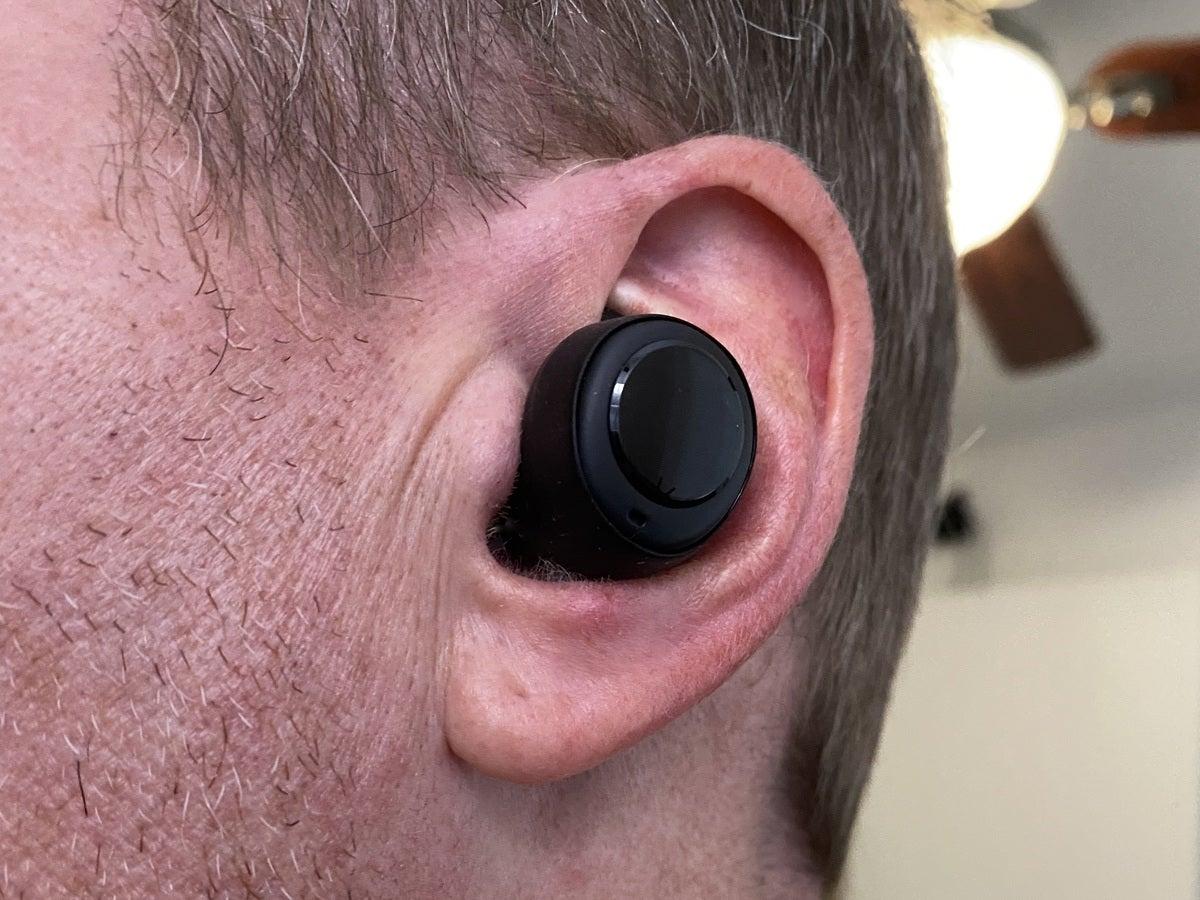 echo buds in ear