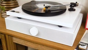 The Spinbase is a perfect all-in-one, vibration-free speaker solution for your turntable.
