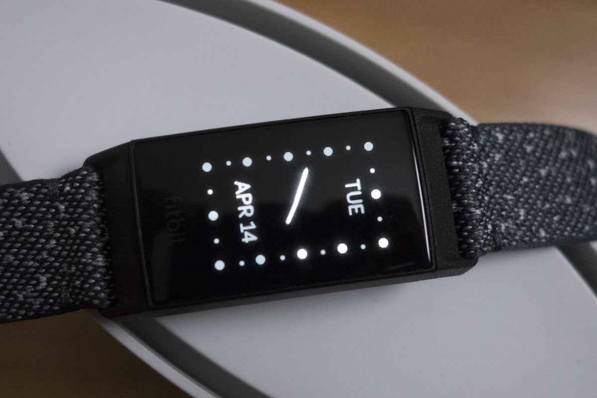 fitbit charge 4 analog
