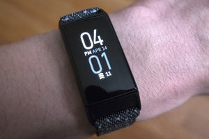 fitbit charge 4 screen
