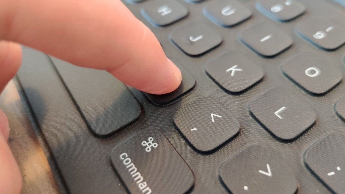 ipad pro 2020 review keyboard press 1600