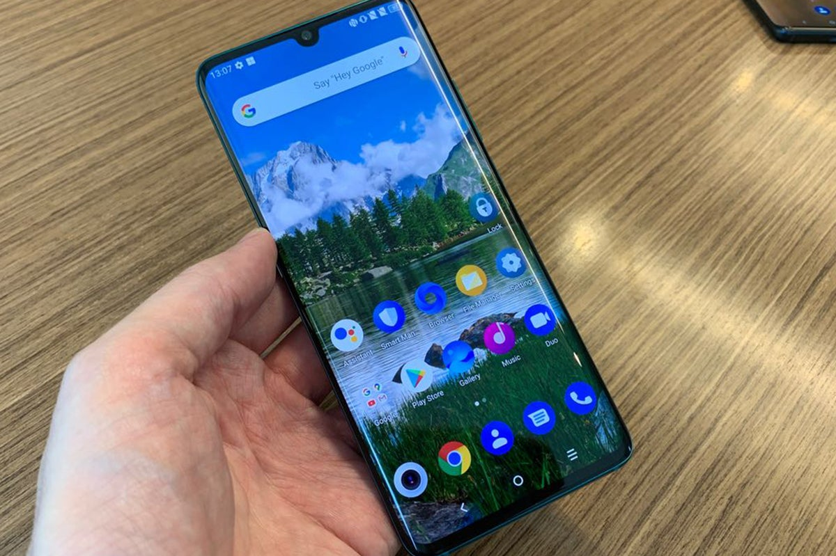tcl 10 pro display