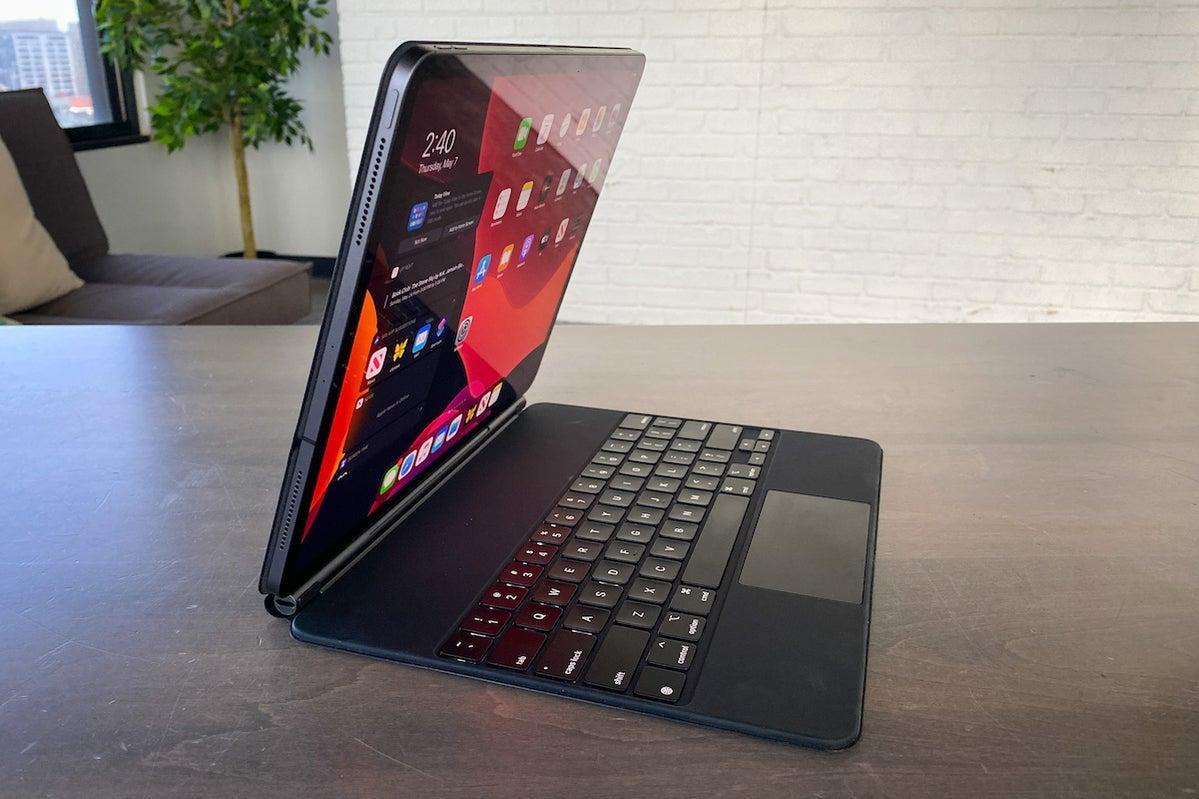 smart keyboard ipad pro open