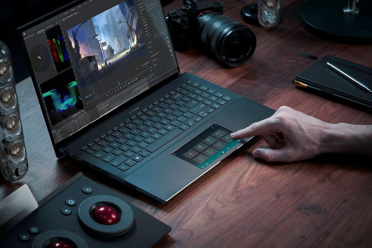 zenbook pro 15 ux535 scenario photo screenpad