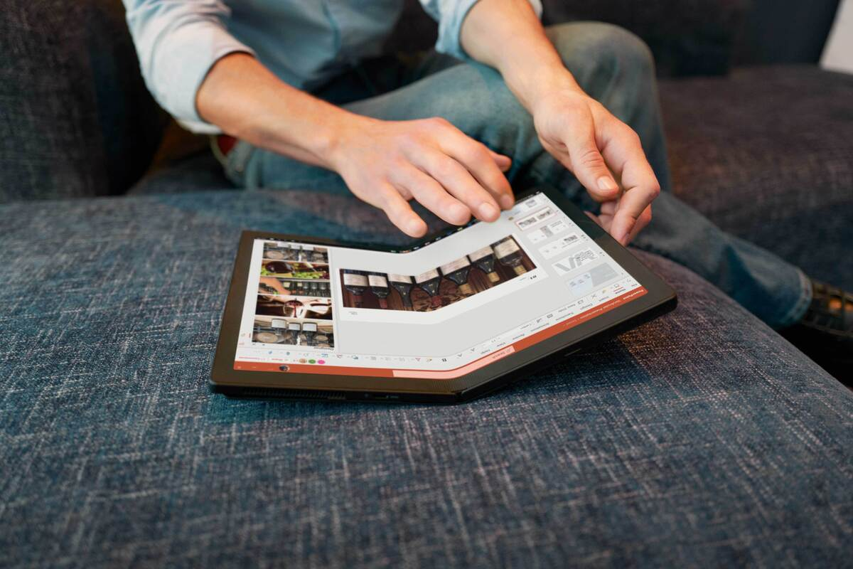 The first foldable PC is here: Lenovo ThinkPad X1 Fold goes on preorder thumbnail