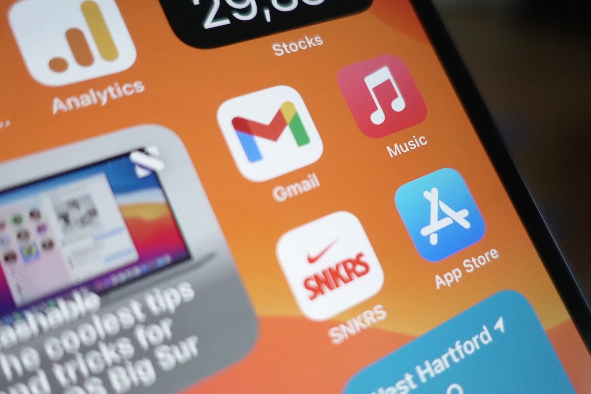 Apple cuts App Store rates in