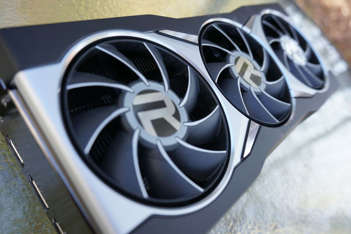 AMD Radeon RX 6800 and RX 6800