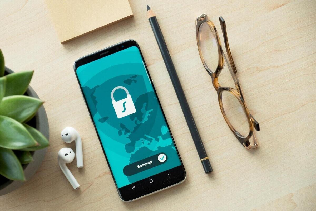 Google makes a big security change, but other companies must follow
