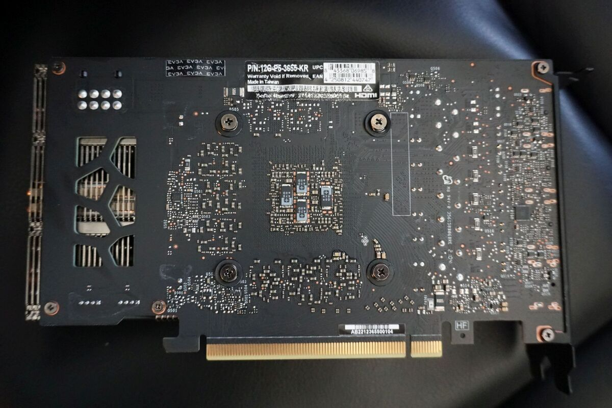 evga geforce rtx 3060 xc بازی سیاه 4