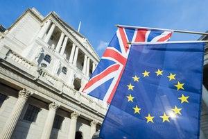 Open banking regulations: EU versus UK
