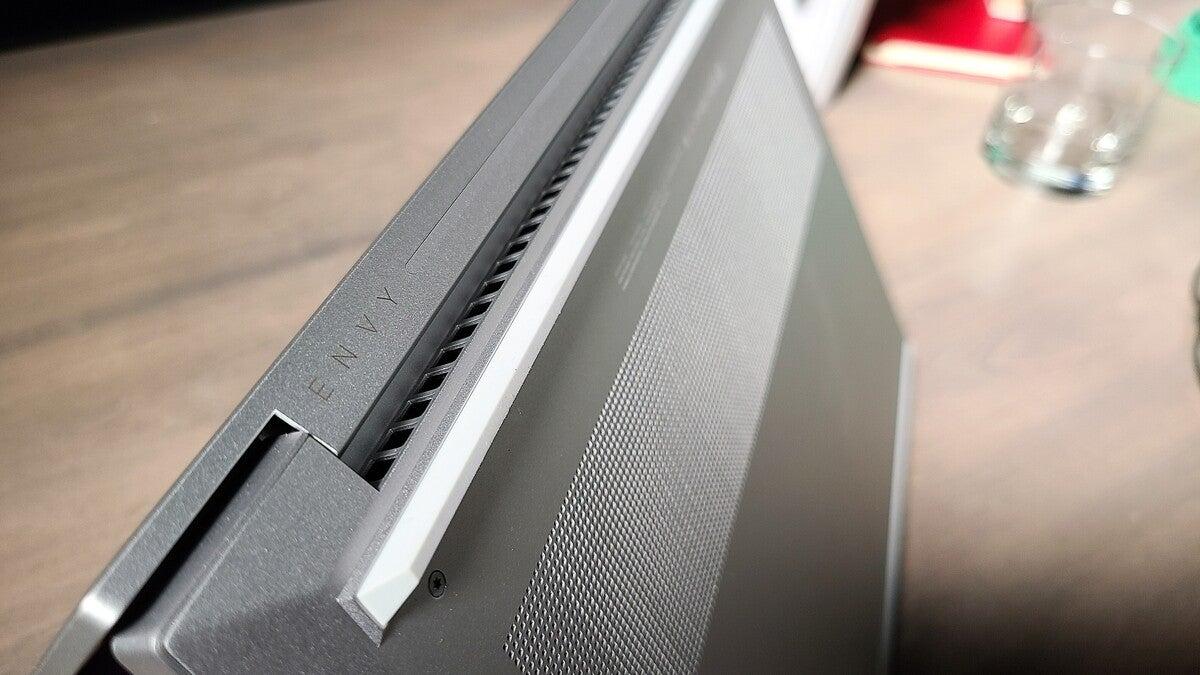 HP Envy 14 14-eb0010nr venting