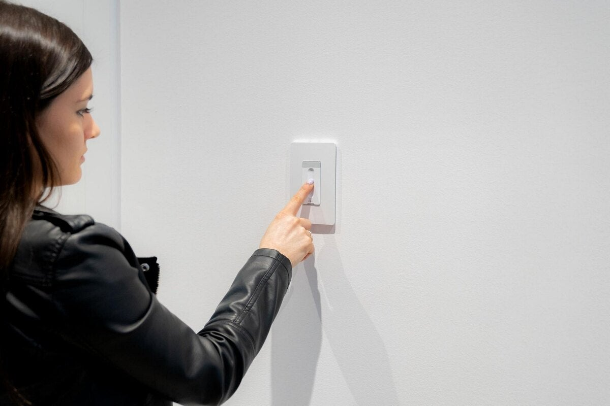 Brilliant Smart Dimmer Switch review: A simple addition to a luxe smart home system thumbnail