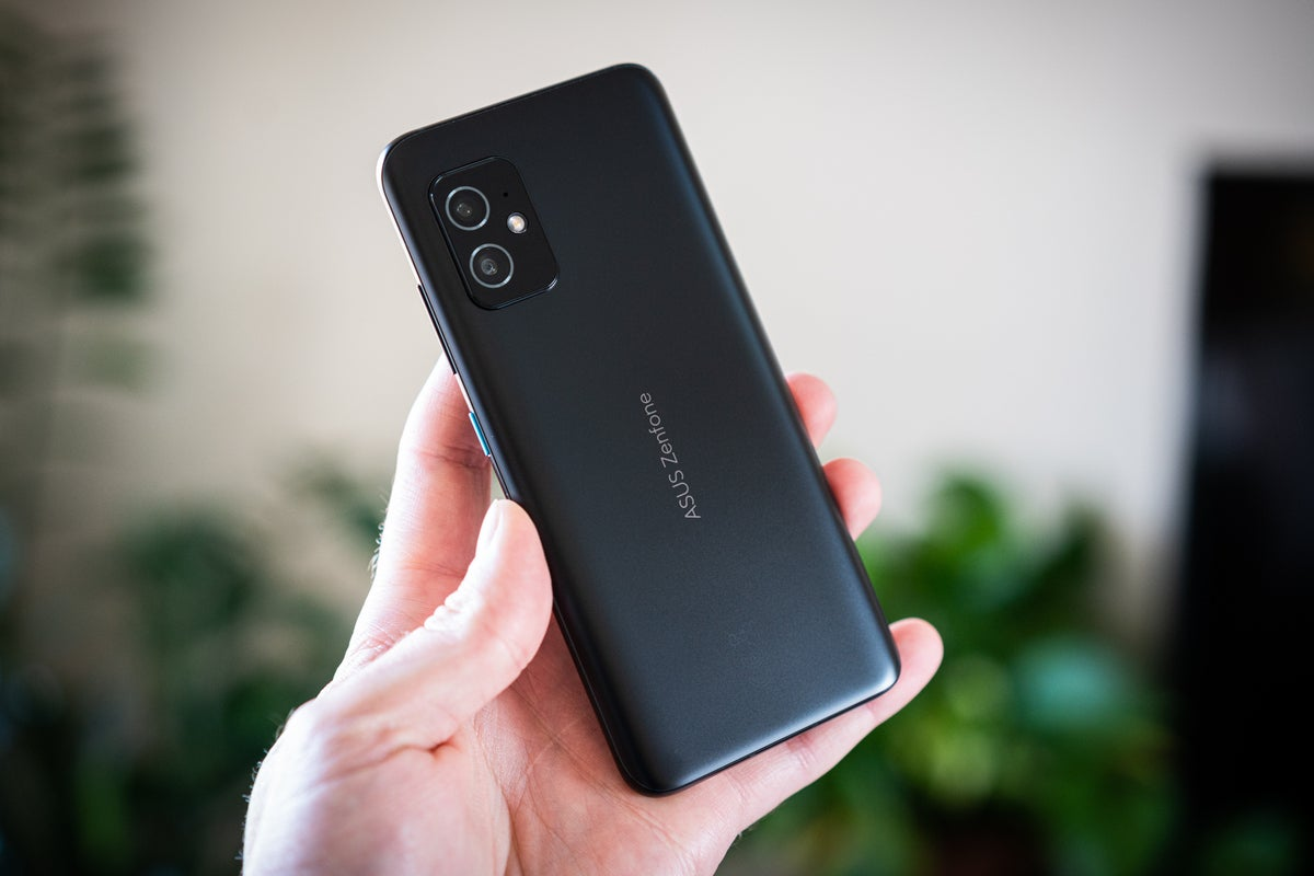 <p>Small phone Fans rejoice: The Asus Zenfone 8 is a fantastic Alternative thumbnail