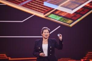 AMD's Lisa Su holds a prototype Ryzen with V-Cache