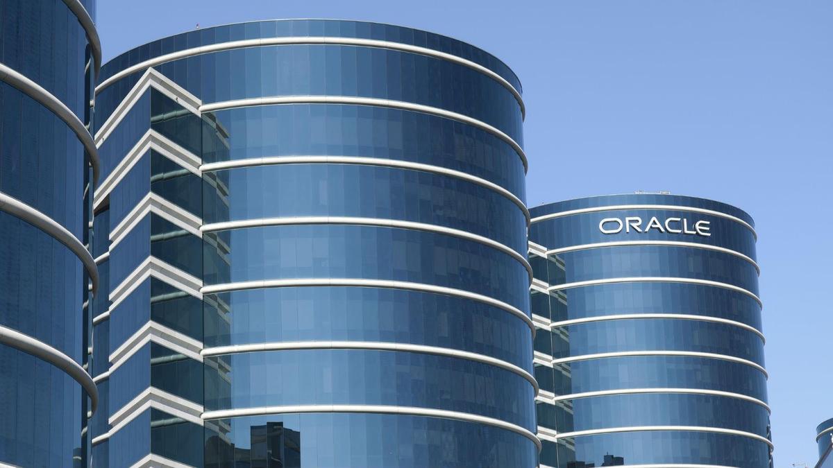 Oracle acquires Datascience.com