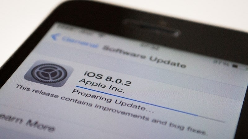 Apple forced to pull iOS 8 update