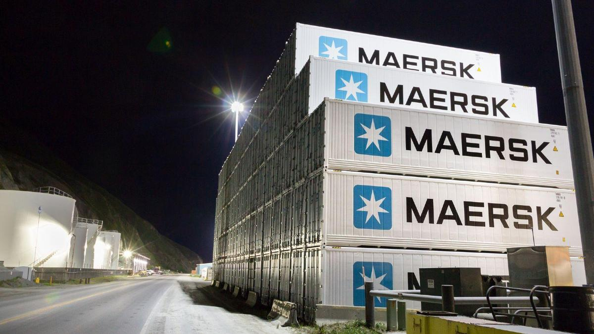 Maersk uses blockchain to track shipping containers