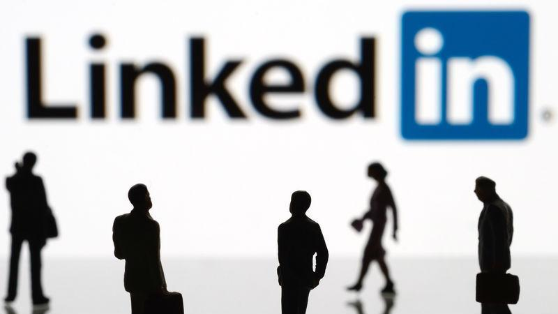 Tools for extracting email addresses from LinkedIn
