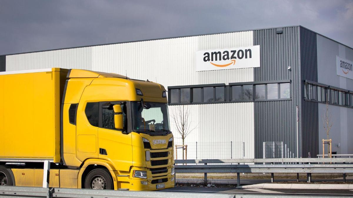 Amazon - automated supervision of staff