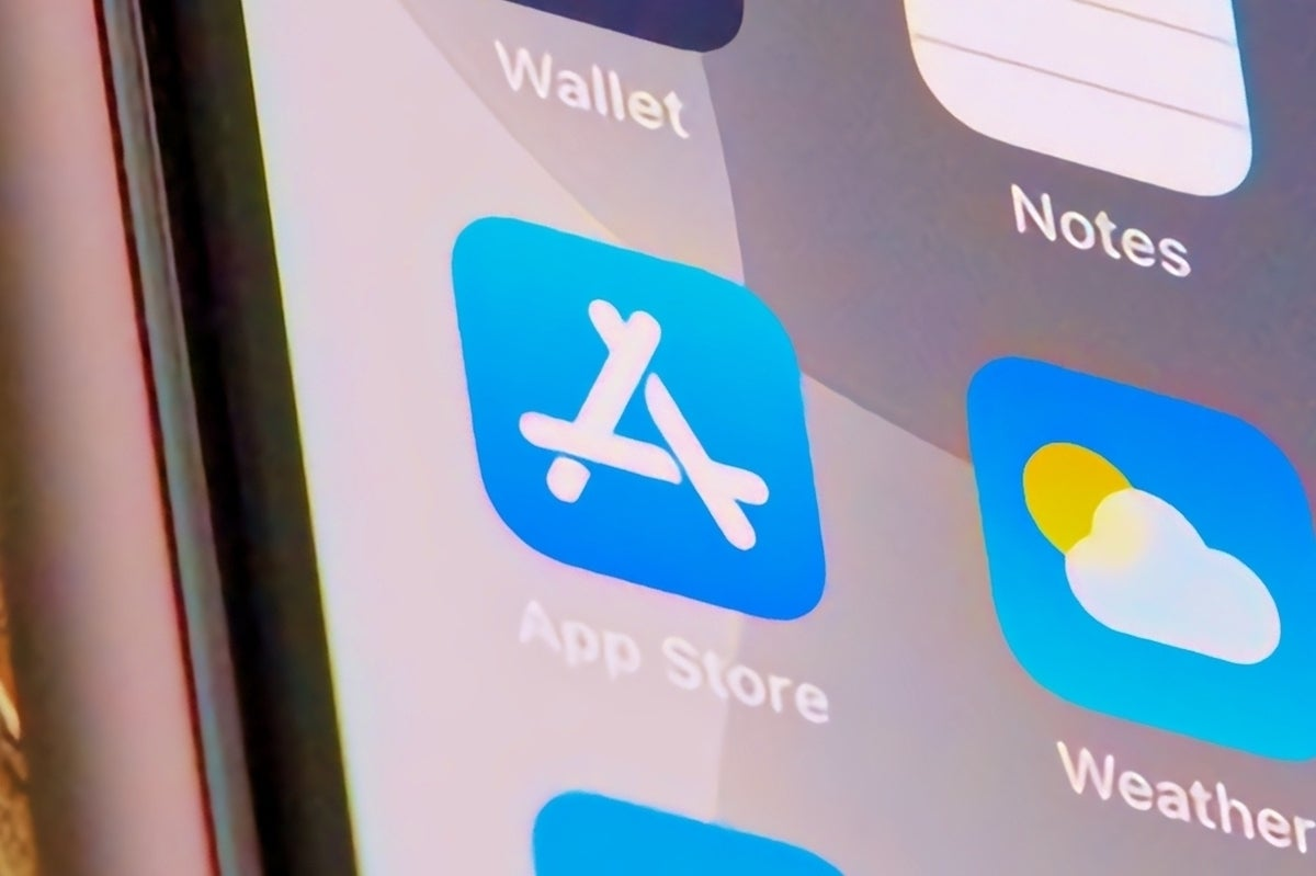 Apple warns: Sideloading apps threatens an iCrime wave